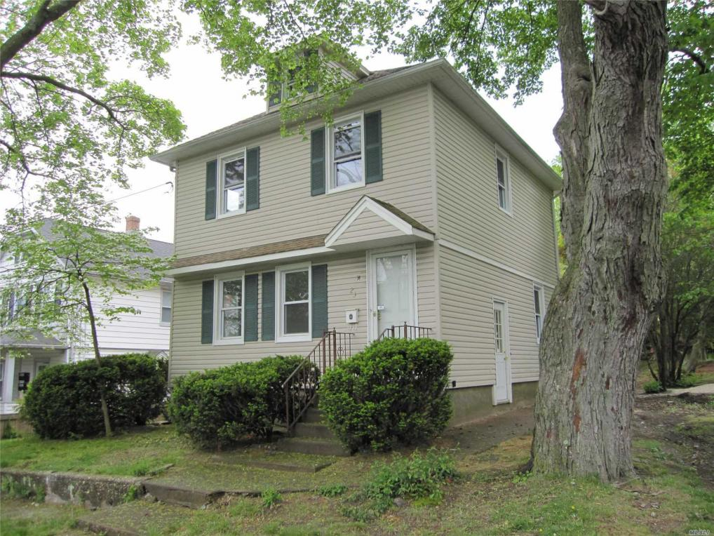 23 Hillside Ave, Glen Head, NY 11545