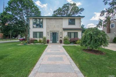 Photo of 2378 5th St, East Meadow, NY 11554