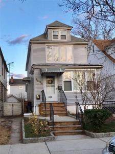 90-04 69th Ave, Forest Hills, NY 11375