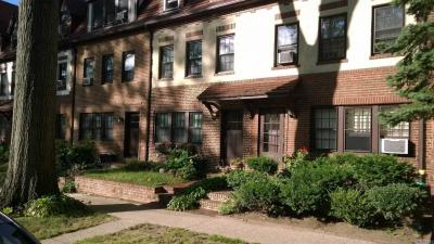 Photo of 382 Burns St #1, Forest Hills, NY 11375