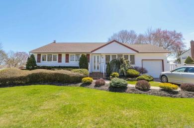 1 Colonial Rd, Old Bethpage, NY 11804