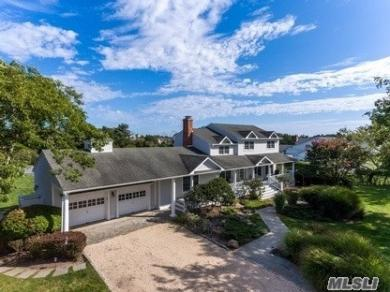 240 Oneck Ln, Westhampton Bch, NY 11978