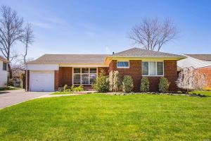 806 Bruce Dr, East Meadow, NY 11554