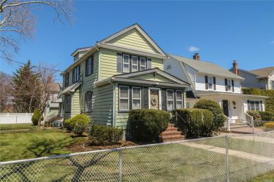 315 Lowell Ave, Floral Park, NY 11001