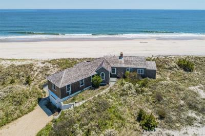 Photo of 154 Dune Rd, Quogue, NY 11959