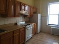 68-09 79th St, Middle Village, NY 11379