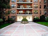 67-76 Booth St #3g, Forest Hills, NY 11375