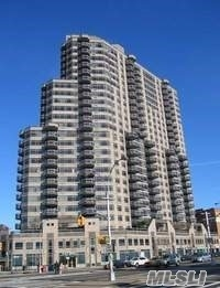 Listed by Gigi. Top Luxury 2br/2bth w/balcony , amazing views at the Pinnacle, can also be rented furnished