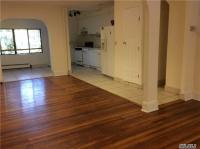 67-119 Burns St, Forest Hills, NY 11375