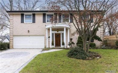 115 N Riverside Dr, Rockville Centre, NY 11570
