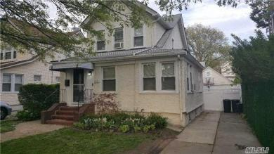 93-20 71 Dr #House, Forest Hills, NY 11375