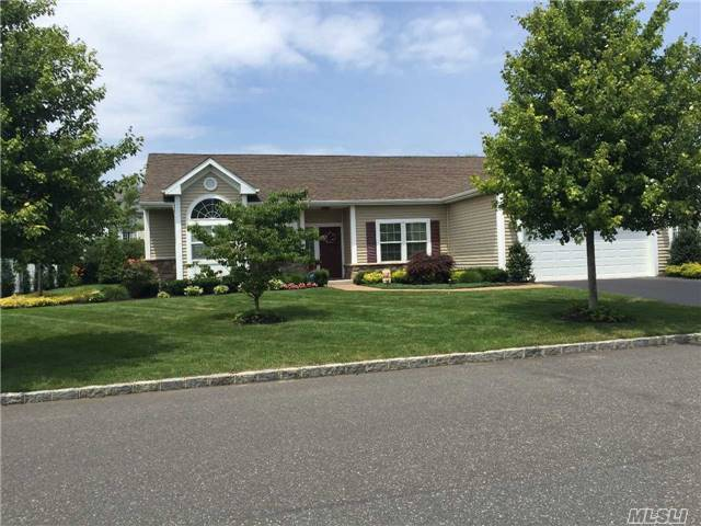 35 Country Woods, St James, NY 11780