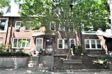 99-07 Ascan Ave, Forest Hills, NY 11375