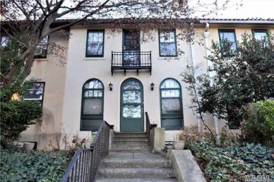 Photo of 70-14 Fleet St, Forest Hills, NY 11375