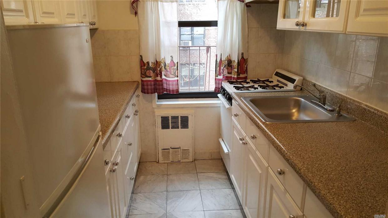 105-55 62 Dr #3 D, Forest Hills, NY 11375