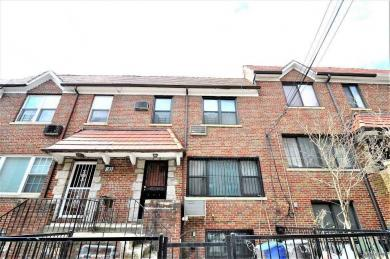 67-40 Burns St, Forest Hills, NY 11375
