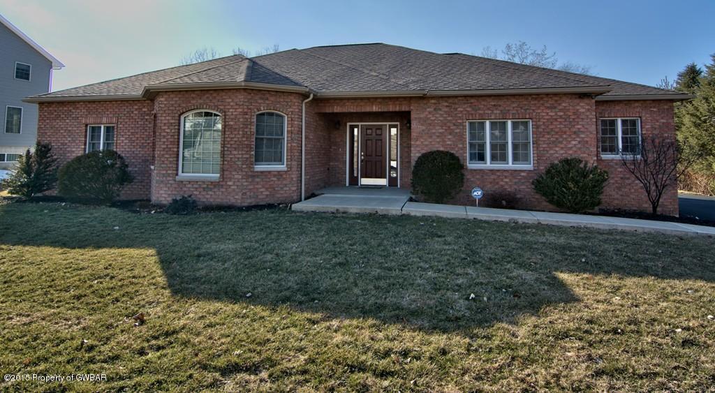 422 Firwood Drive, Hanover Township, PA 18706