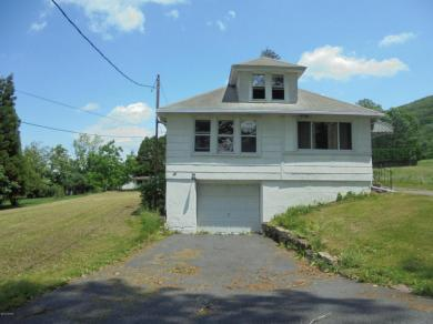 34 Country Club Lane, Sugarloaf, PA 18249