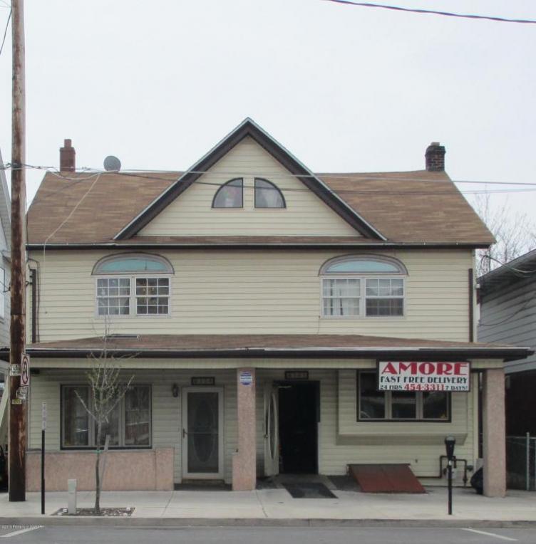 30-32 E Broad St, West Hazleton, PA 18202