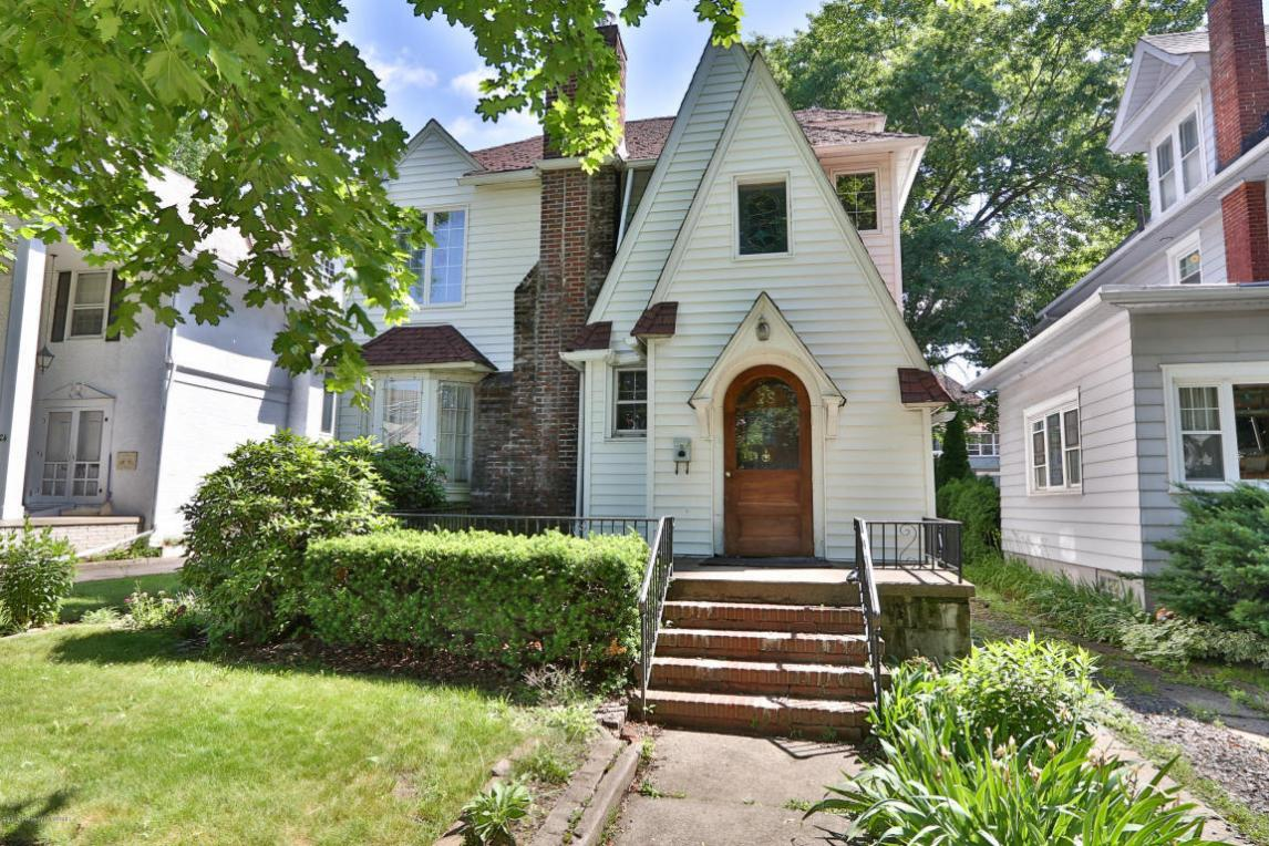 28 Virginia Terrace, Forty Fort, PA 18704
