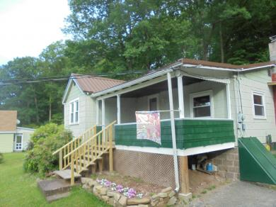 28 Sleepy Hollow Rd, Drums, PA 18222