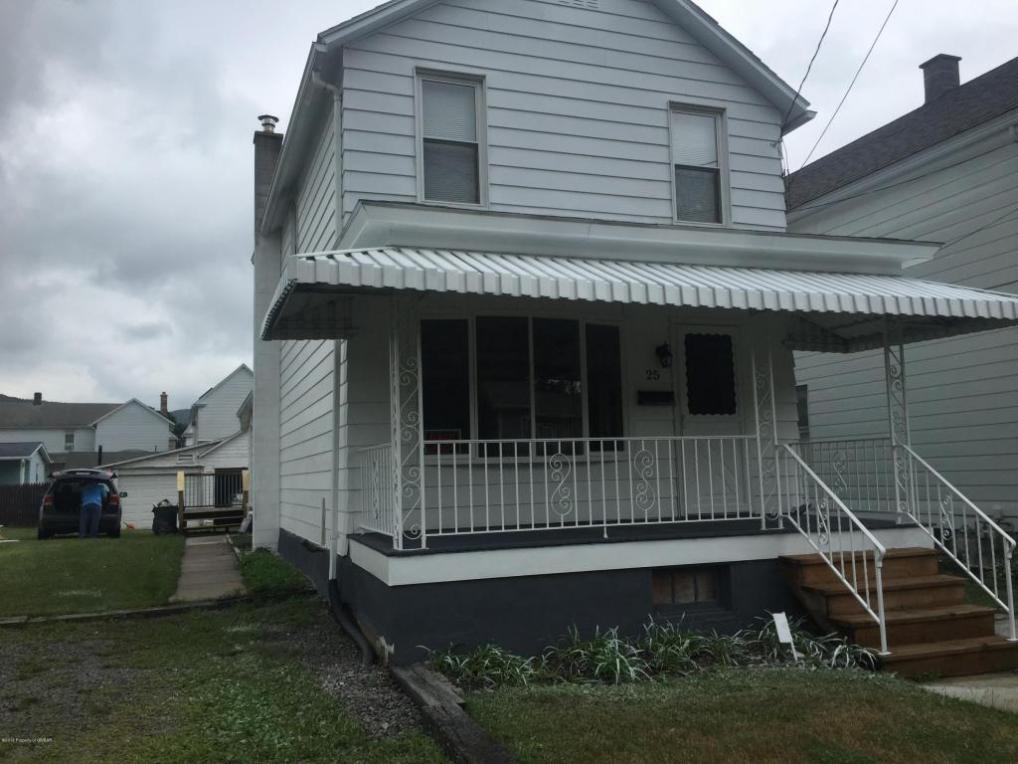 25 Davis St, Ashley, PA 18706