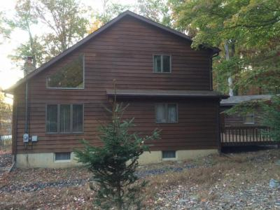 Photo of 241 W Lake Valley Dr, Hazleton, PA 18202
