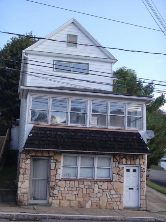 16 E Carey St, Plains, PA 18705