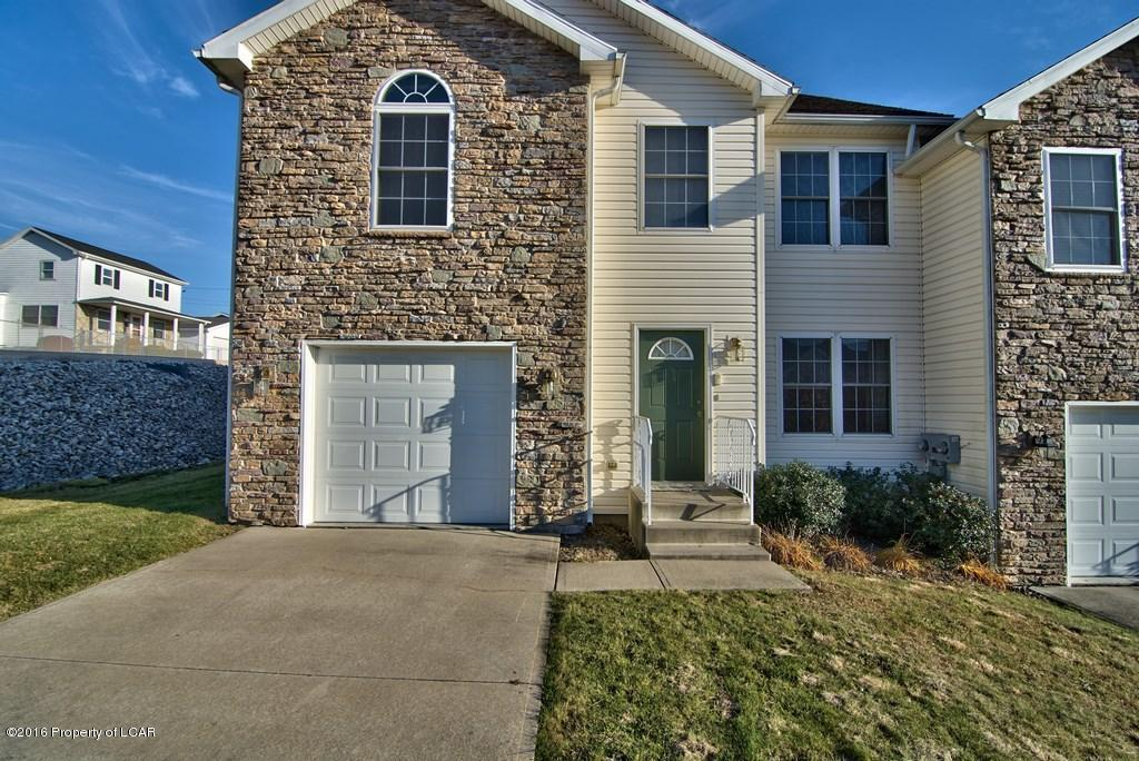 23 Kyra Way, Plains, PA 18702