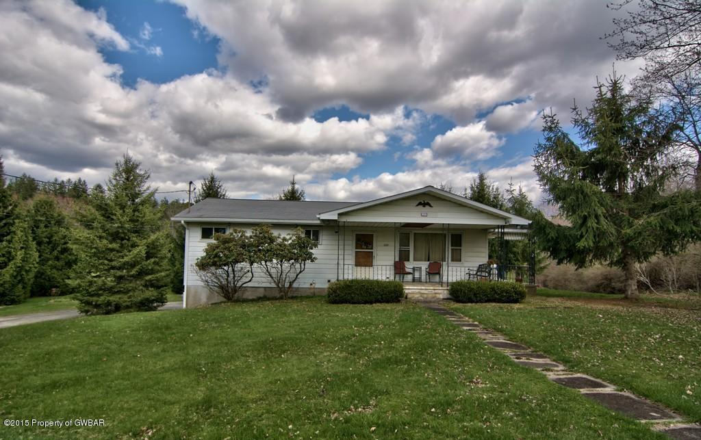 269 Armstrong Rd, Waverly, PA 18471