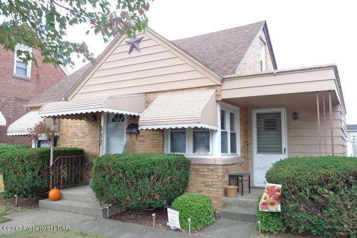 437 Carleton Ave, Hazleton, PA 18201