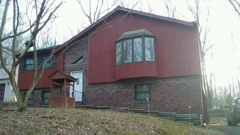 107 Grouse Ridge Lane, Drums, PA 18222