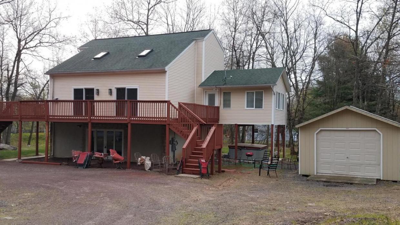 82 Tennyson Cir, Albrightsville, PA 18210