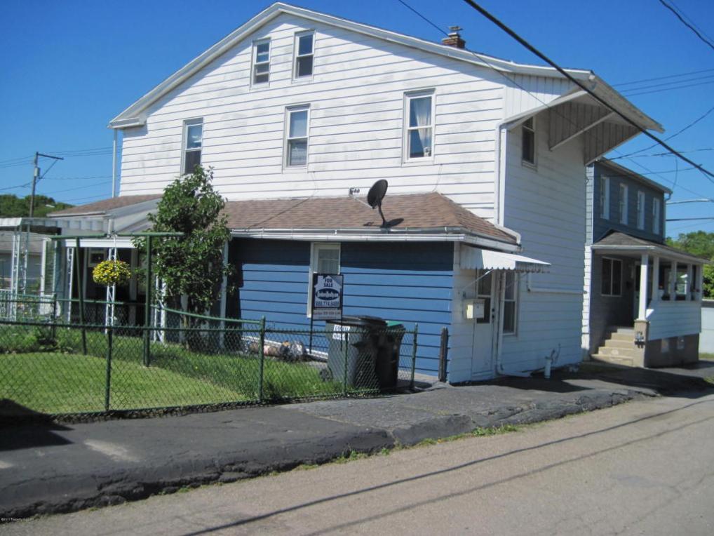 16 W Monroe St, Mcadoo, PA 18237