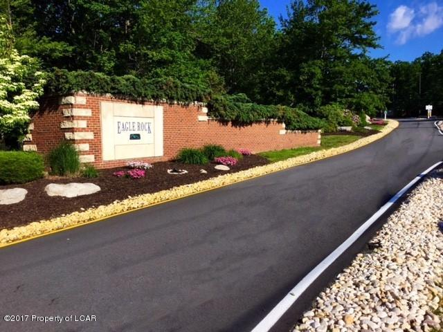 338 ER Country Club Drive, East Union Township, PA 18202