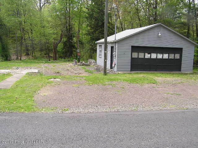 102 Sayre Rd, Hunlock Creek, PA 18621