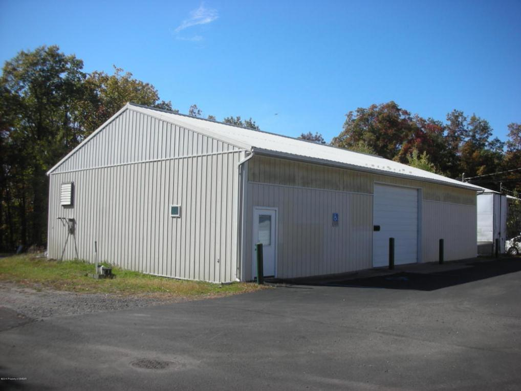 14 Fox Manor Rd, Hazle Twp, PA 18202