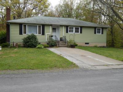 Photo of 109 North Street, Mountain Top, PA 18707