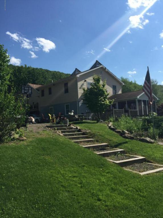 44 E Foothills Rd, Drums, PA 18222