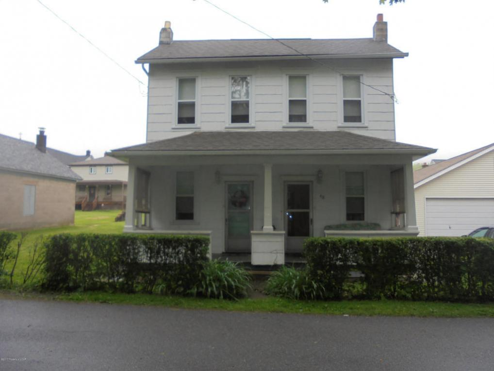 46 Swamp St, Beaver Meadows, PA 18216