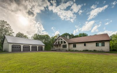 Photo of 293 Peatmoss Rd, White Haven, PA 18661