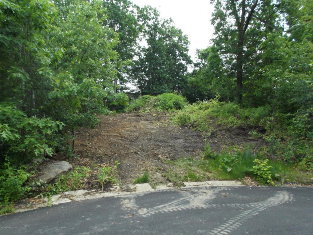 15 Fairfield Drive, Laflin, PA 18702
