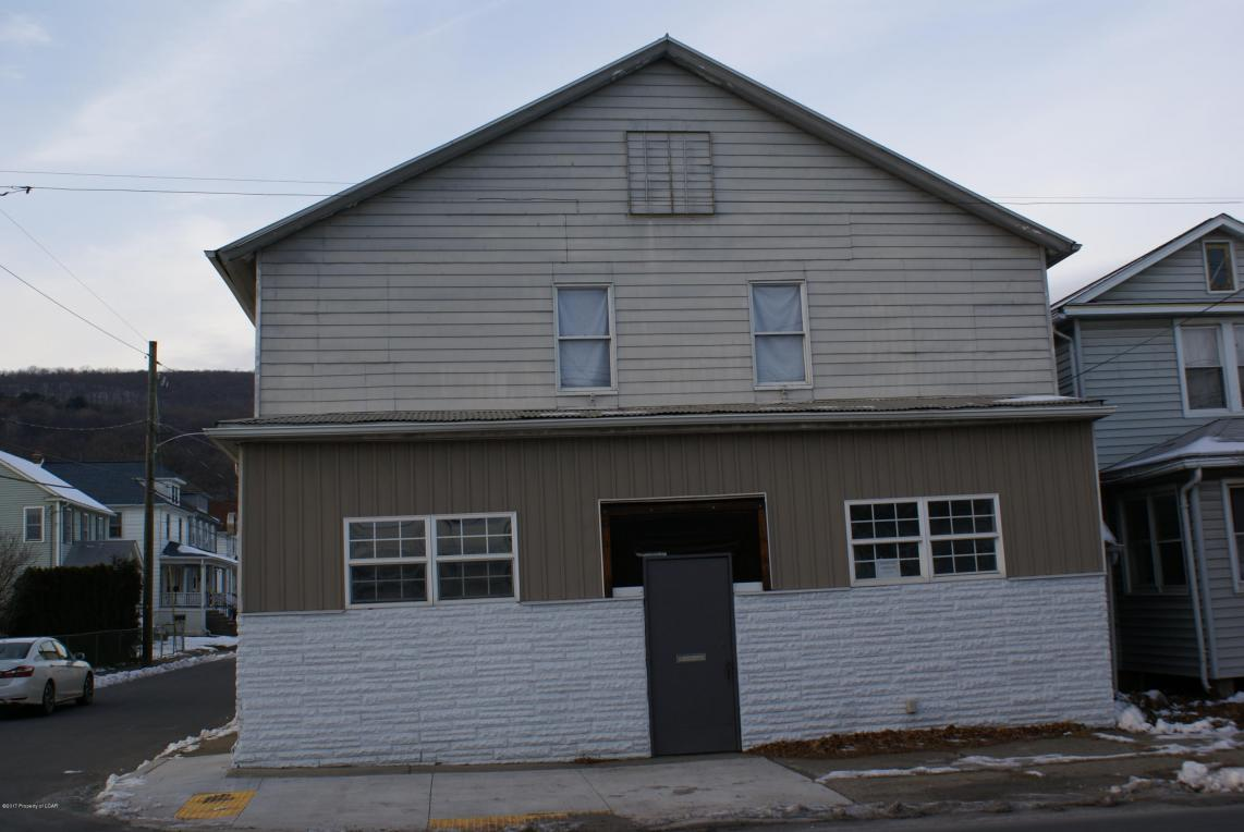 865 Shoemaker Ave, West Wyoming, PA 18644
