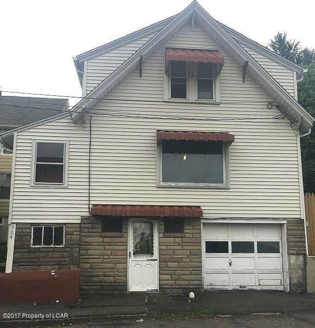 904 W 9th St, Hazleton, PA 18201