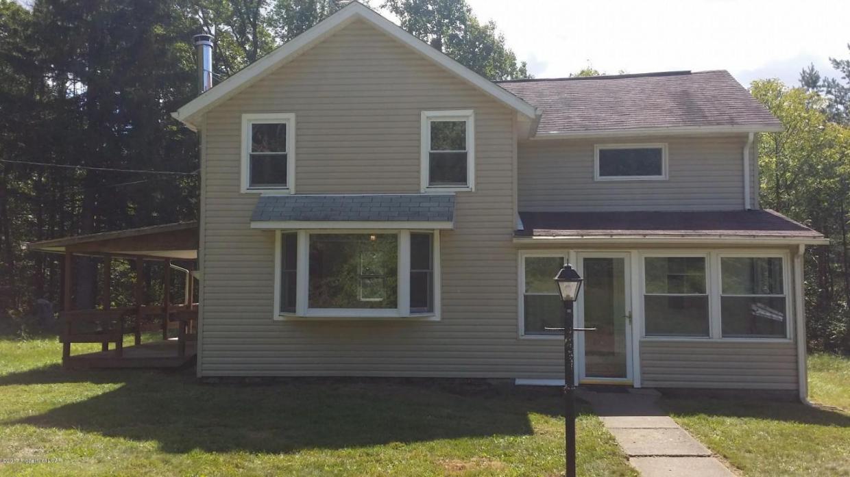 420 Oakdale Dr, Hunlock Creek, PA 18621