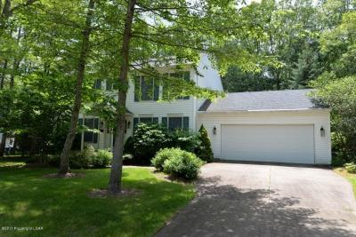 Photo of 323 Cedar Manor Drive, Mountain Top, PA 18707