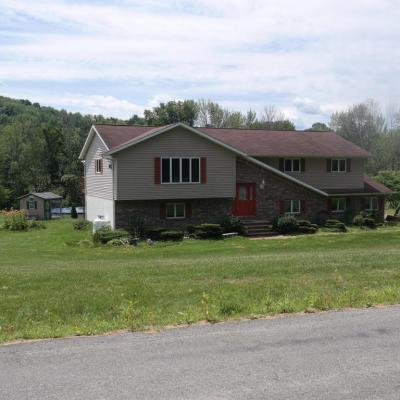 Photo of 147 Lakewood Rd, Tunkhannock, PA 18657