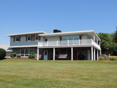Photo of 128 Hickory Rd, Sugarloaf, PA 18249