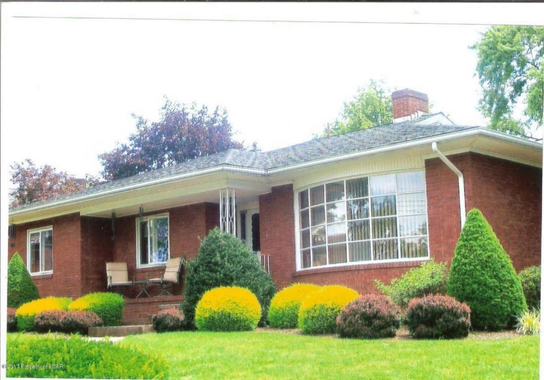 2 Grandview Avenue, Hanover Township, PA 18706