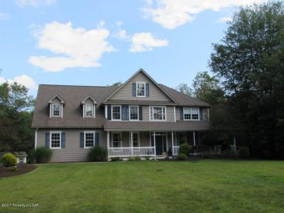Photo of 428 Black Walnut Drive, Mountain Top, PA 18707